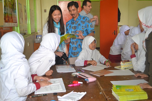 Marisa Lowe interacting with Indonesians